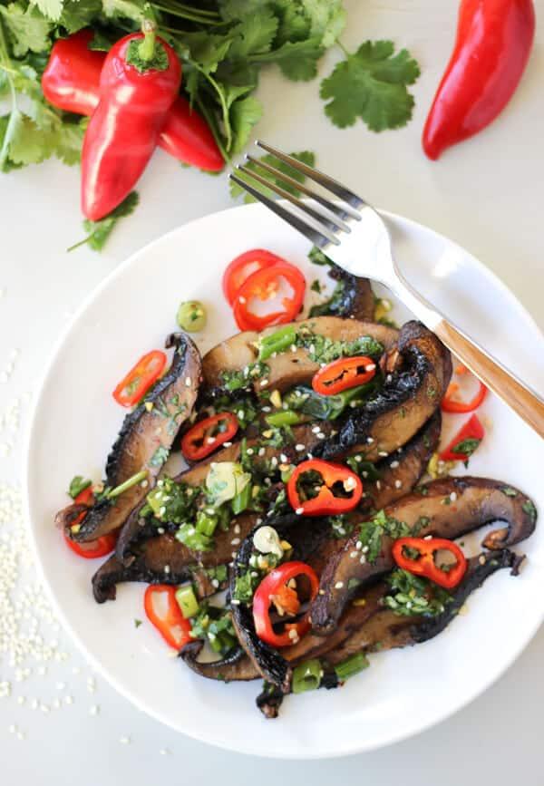 Spicy Asian Portobello Mushrooms | https://www.wickedspatula.com