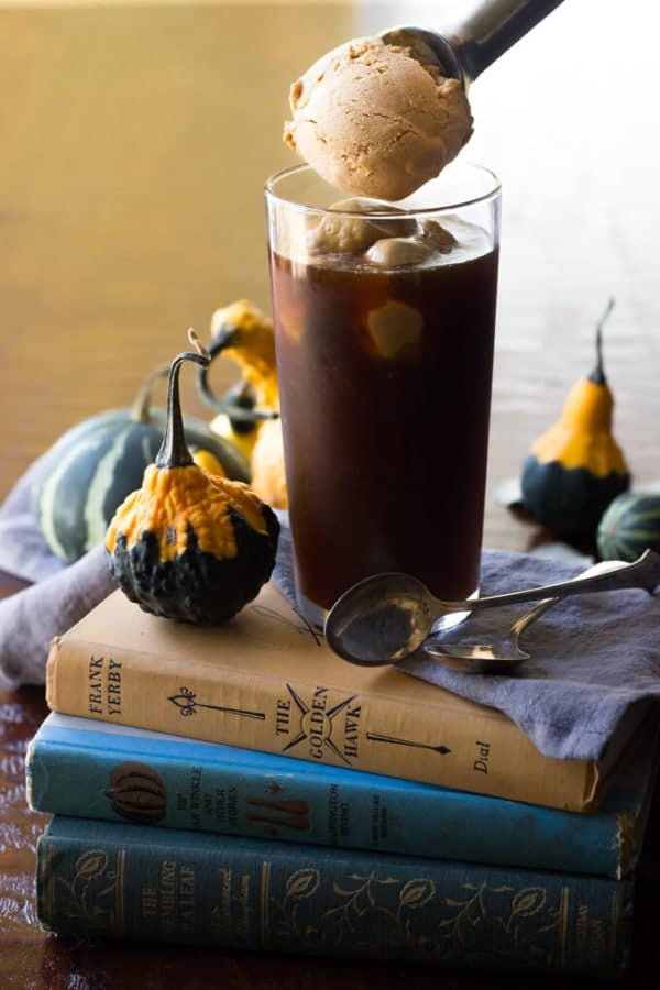 Paleo Pumpkin Ice Cream Coffee Float - This dairy free paleo pumpkin ice cream is perfect for early fall days!! | wickedspatula.com