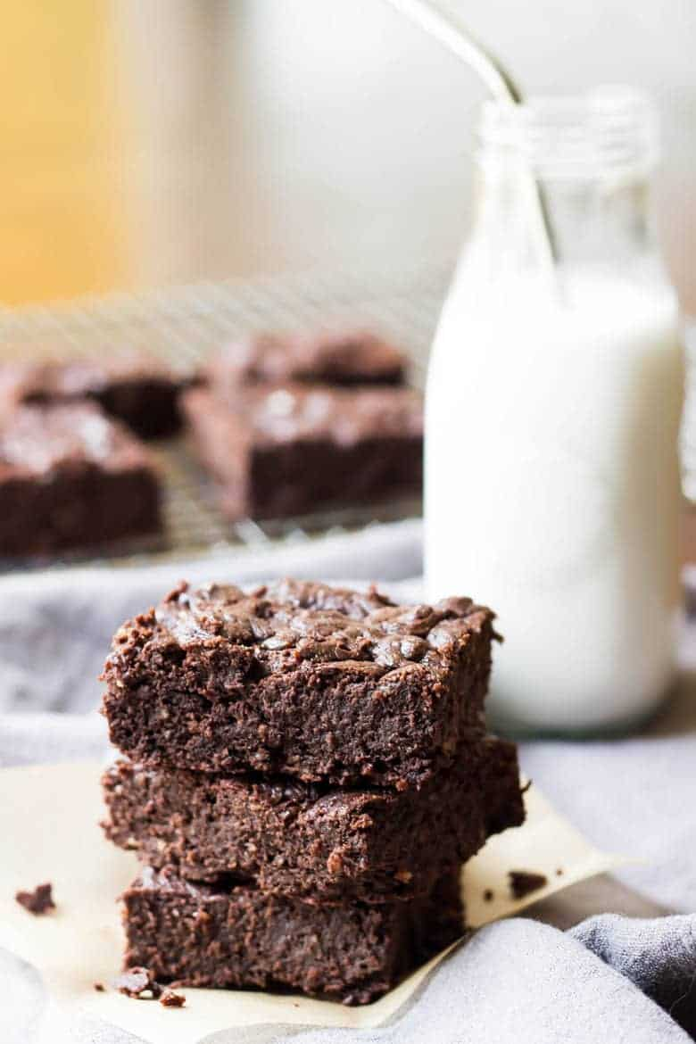 These Decadent Paleo Brownies strike the perfect balance between cake style brownies and fudge style brownies.