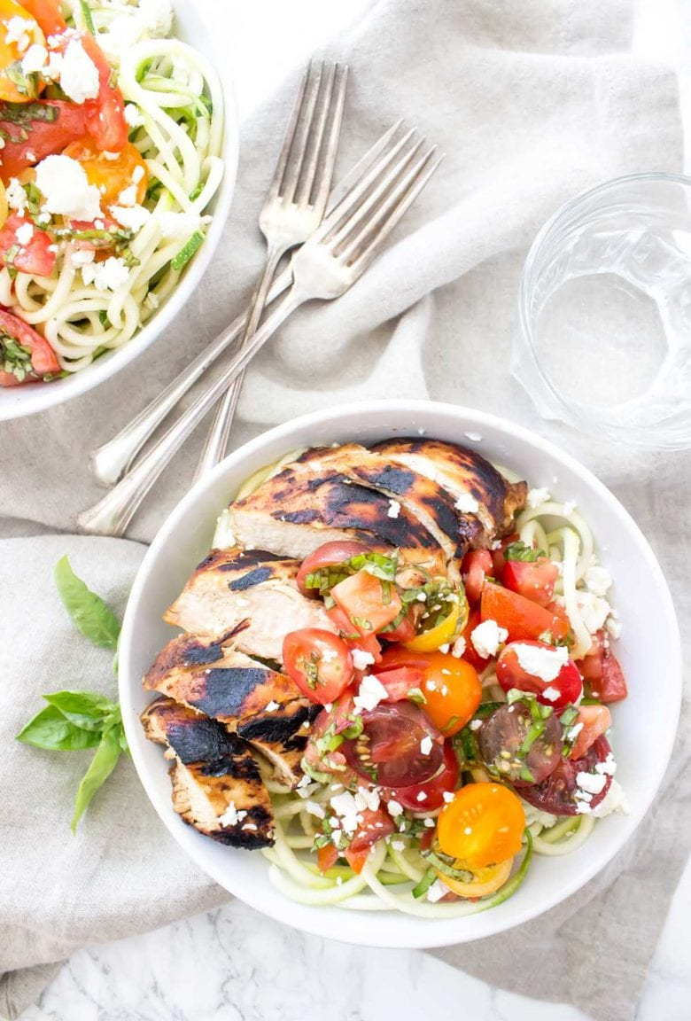 These Bruschetta Chicken Bowls will be ready in just minutes and they're totally delicious!