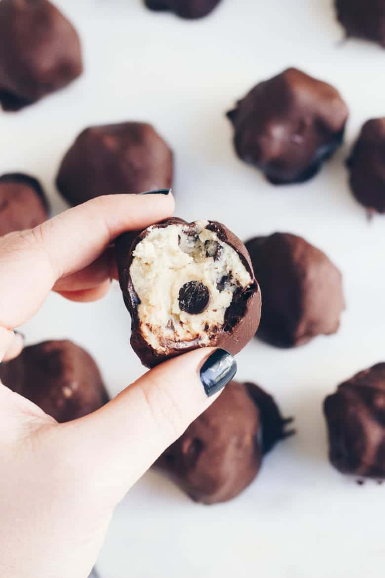 These Cookie Dough Truffles are totally easy to make and they're grain-free and refined sugar free! Perfect for the holidays!