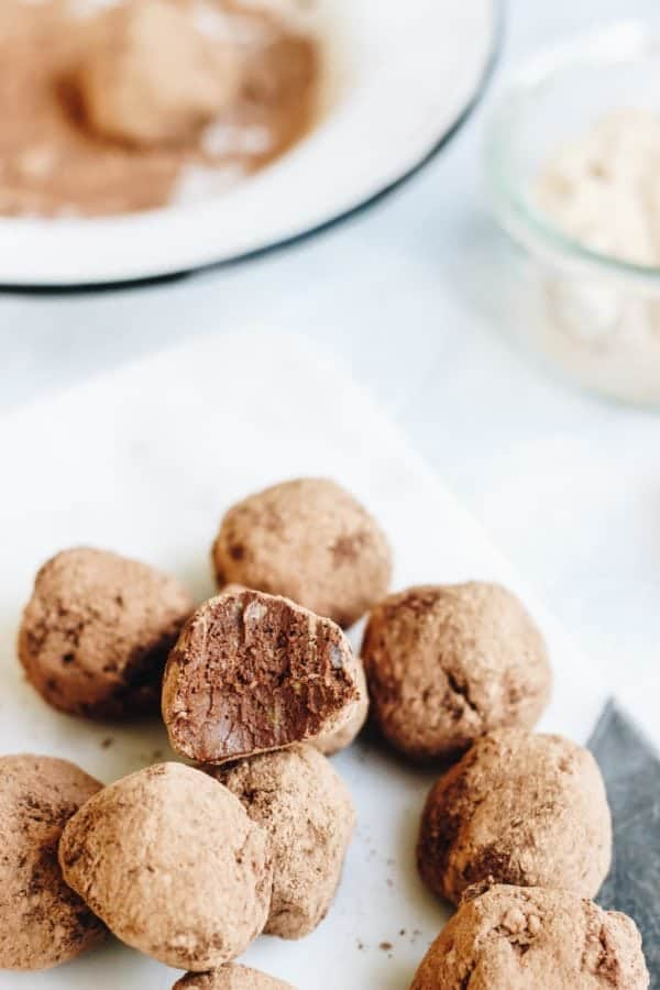 These Raw Maca Avocado Cacao Truffles are a great fat filled, low sugar, pre-workout snack. These little nuggets are packed with healthy nutrients!