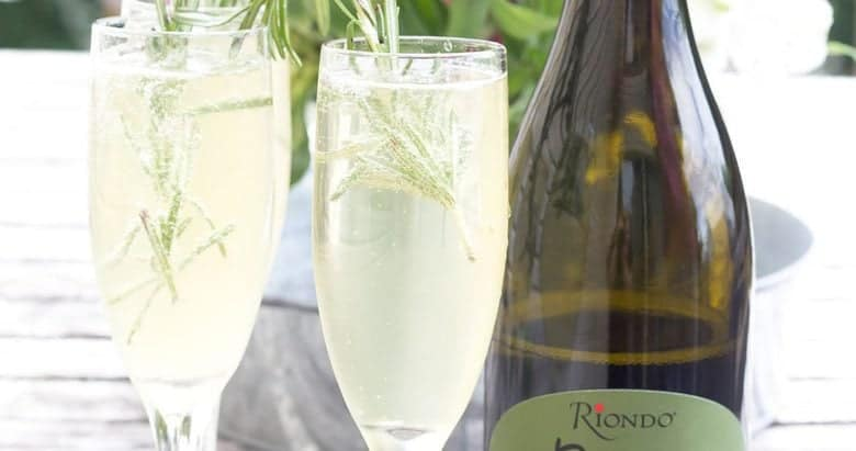 Riondo Makes Dining Alfresco a Bit More Bubbly