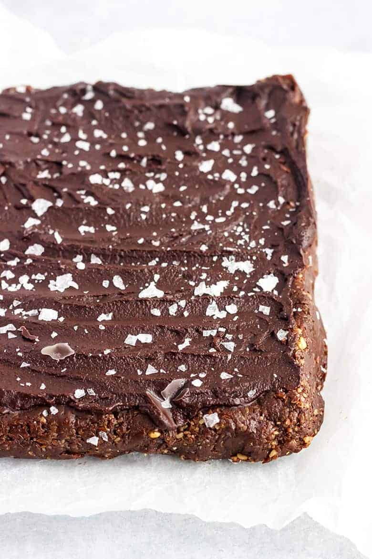 Vegan Raw Brownies Recipe - Brownies before cutting